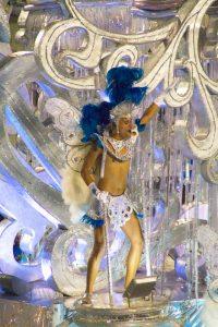 carnaval_rio_parade_guy_dancing