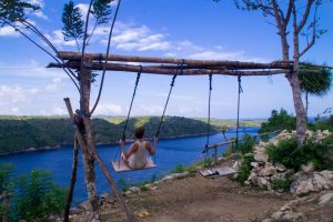 swing_nusa_ceningan_indonesia