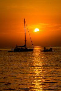 sunset_lovina_beach_bali
