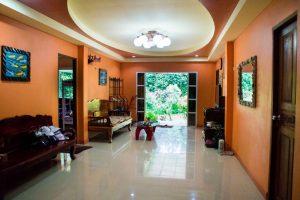 Kama Siri livingroom