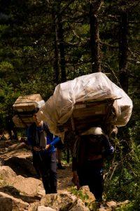 Everest Basecamp trek Nepal heavy duty porters
