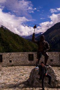 Everest Basecamp trek Nepal statue of Sherpa Tenzing Norgay