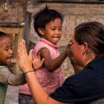 Vrijwilligerswerk in Nepal, er zijn verschillende vrijwilligerswerk projecten in Nepal waar je kan helpen en gaat werken met arme kinderen