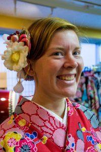 Osaka Japan Maikoya kimono dressing (2)